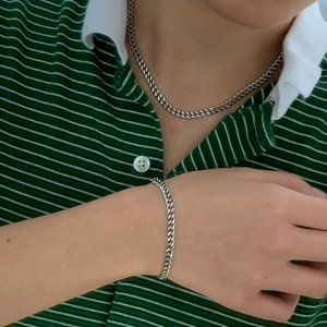 STAINLESS STEEL JEWLERY NECKLACE AND BRACELET